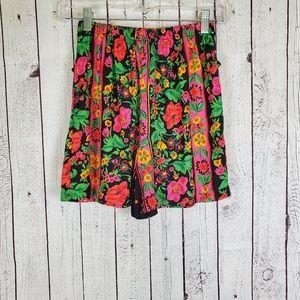 🔥 Vintage High Waisted Pleated Shorts Large